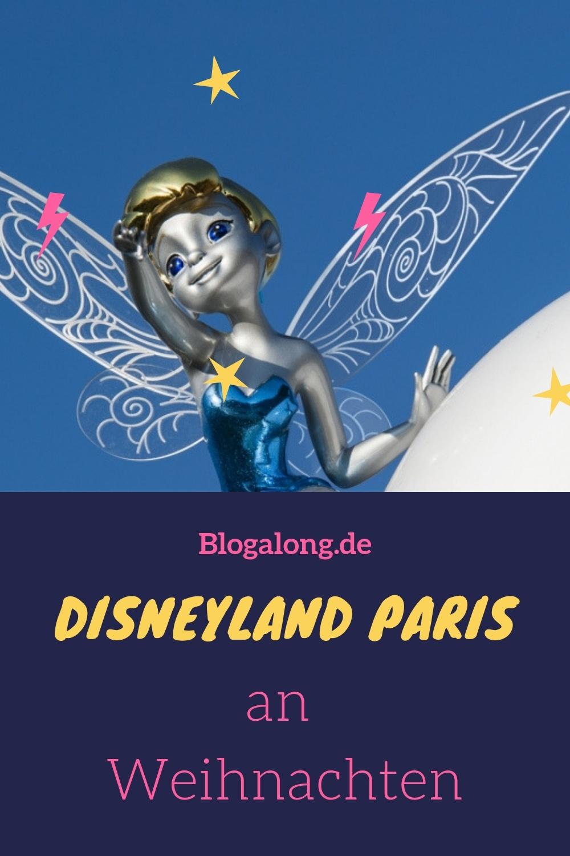 Weihnachten im Disneyland Paris ist ein echtes Erlebnis. Vielleicht hast du ja Glück und der Schnee lässt nicht lange auf sich warten? Lies dir mein Erlebnis vom Disneyland Paris zu Weihnachten gleich durch - vielleicht möchtest du diesen Glamour ja auch einmal sehen! #disneyland #disneylandparis #weihnachten #glitzer #mickeymouse #micky #reisen #urlaub #blogalong